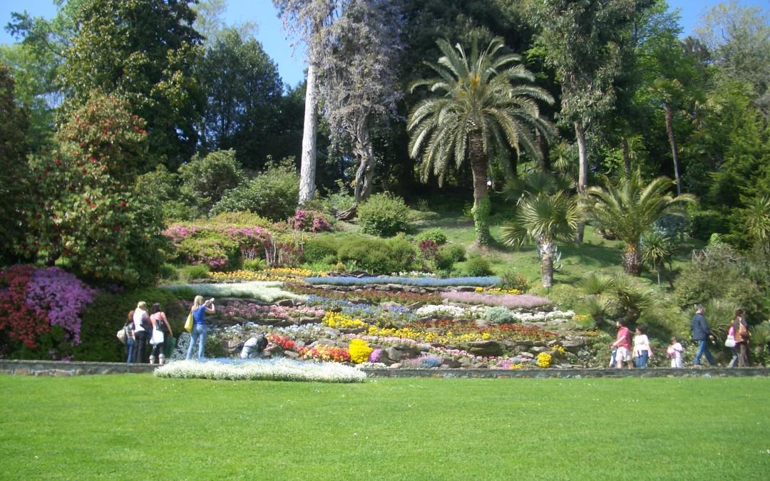 Giardini tropicali e capolavori neoclassici: la sfida per le bellezza di Villa Carlotta e Villa Melzi